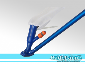 Pool vacuum cleaner with filter bag