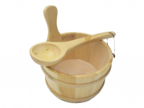 Wooden bucket and ladle Light